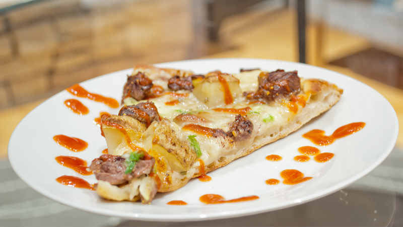 Steak and Baked Potato Pizza with Bacon and Blue Cheese (and a little ...
